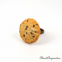 Cookie ring with chocolate chunks